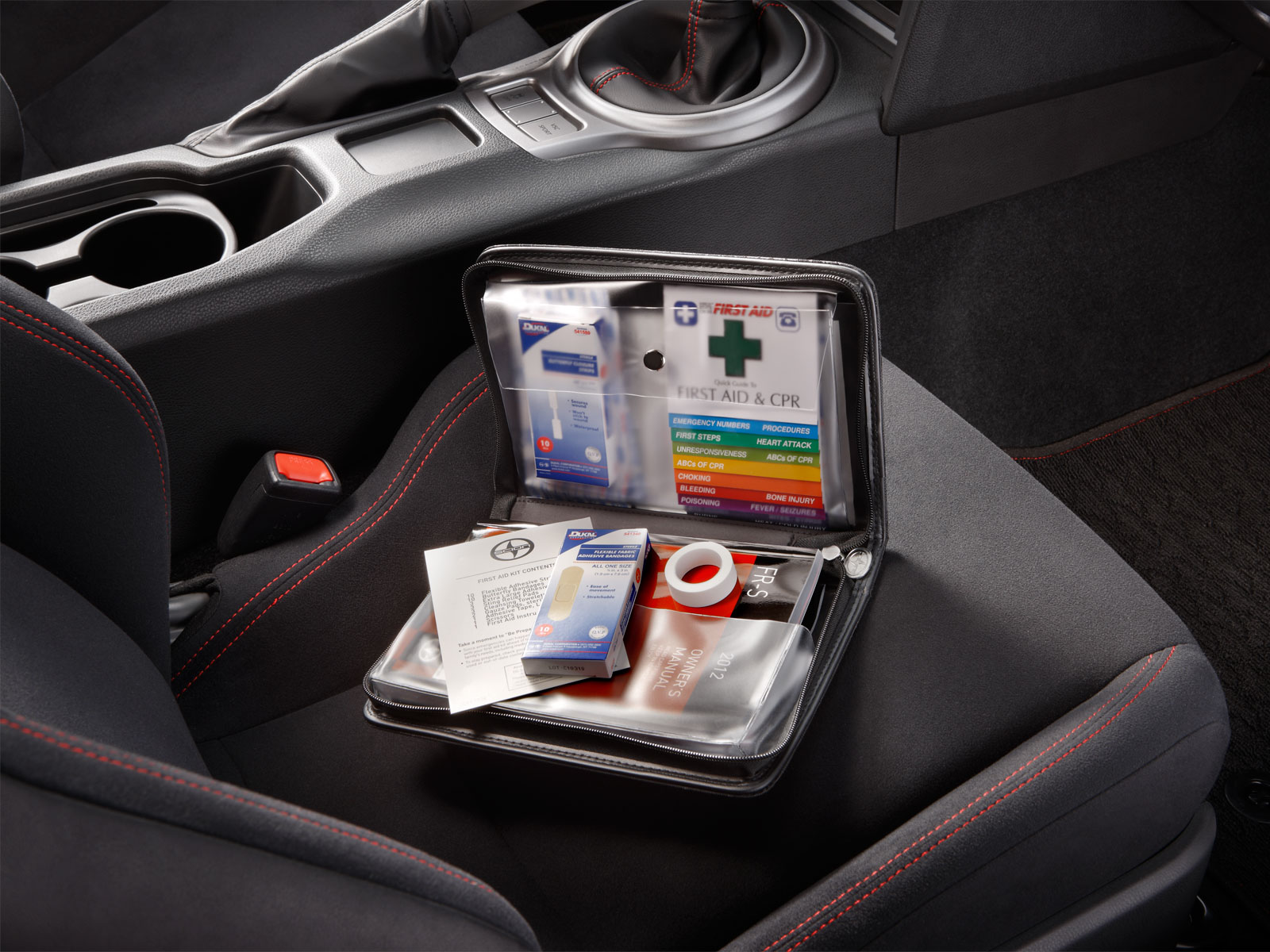how to make a first aid kit for your car